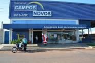 Papai Noel da CDL visita Supermercado Campos Novos