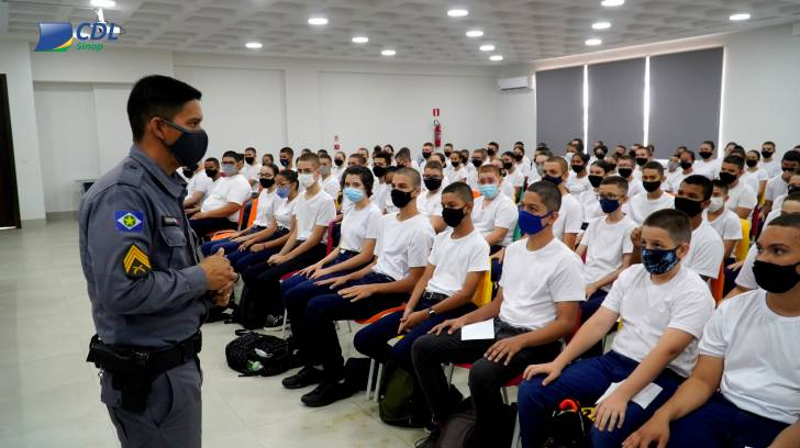 Começam as aulas na Escola Militar Tiradentes 2º Sgt França em Sinop